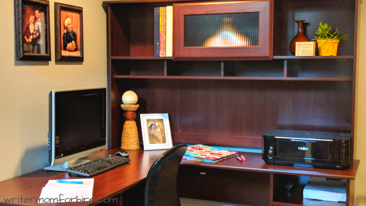 photo of bush cabot l shaped desk with hutch