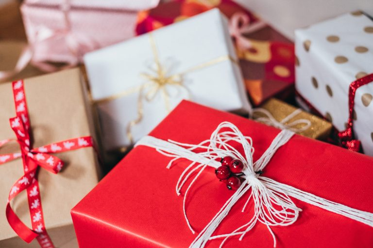 5 Great Ways to Save Money on Christmas Gifts