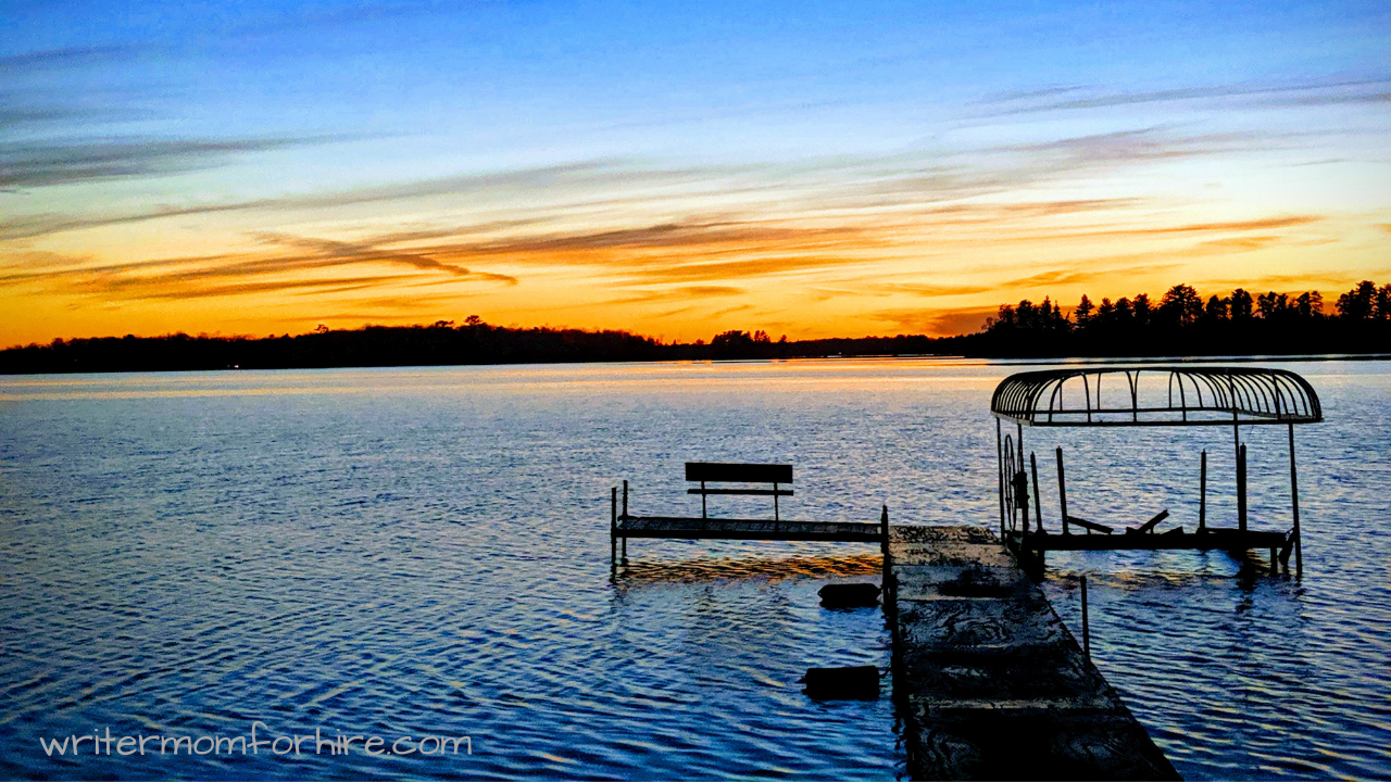 photo of lake at sunset | things to do in minnesota in the summer