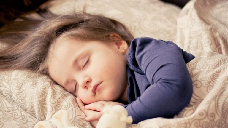 9 Bedwetting Causes (& Ways to Help Your Child Stop)