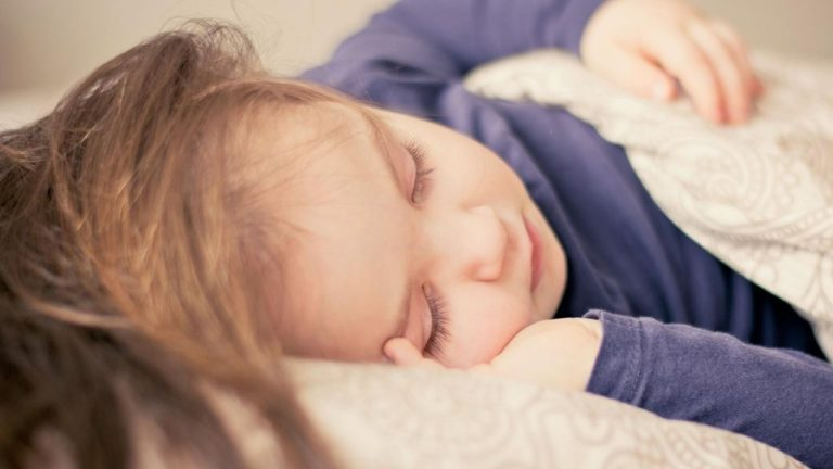 A Gentle Guide to Potty Training at Night: 9 Tips and Tricks