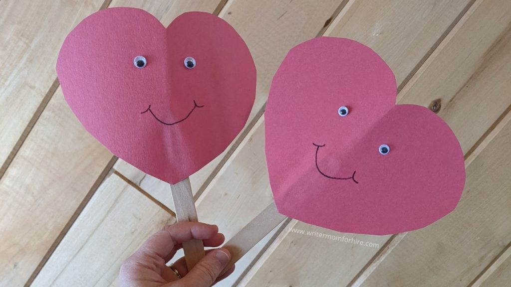 happy heart puppets