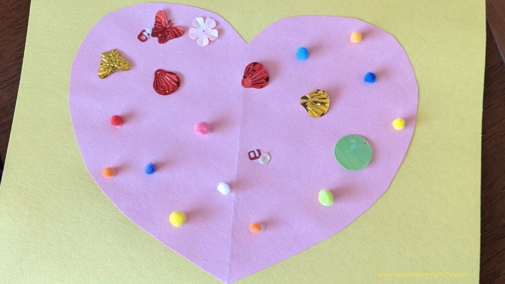 the finished construction paper heart