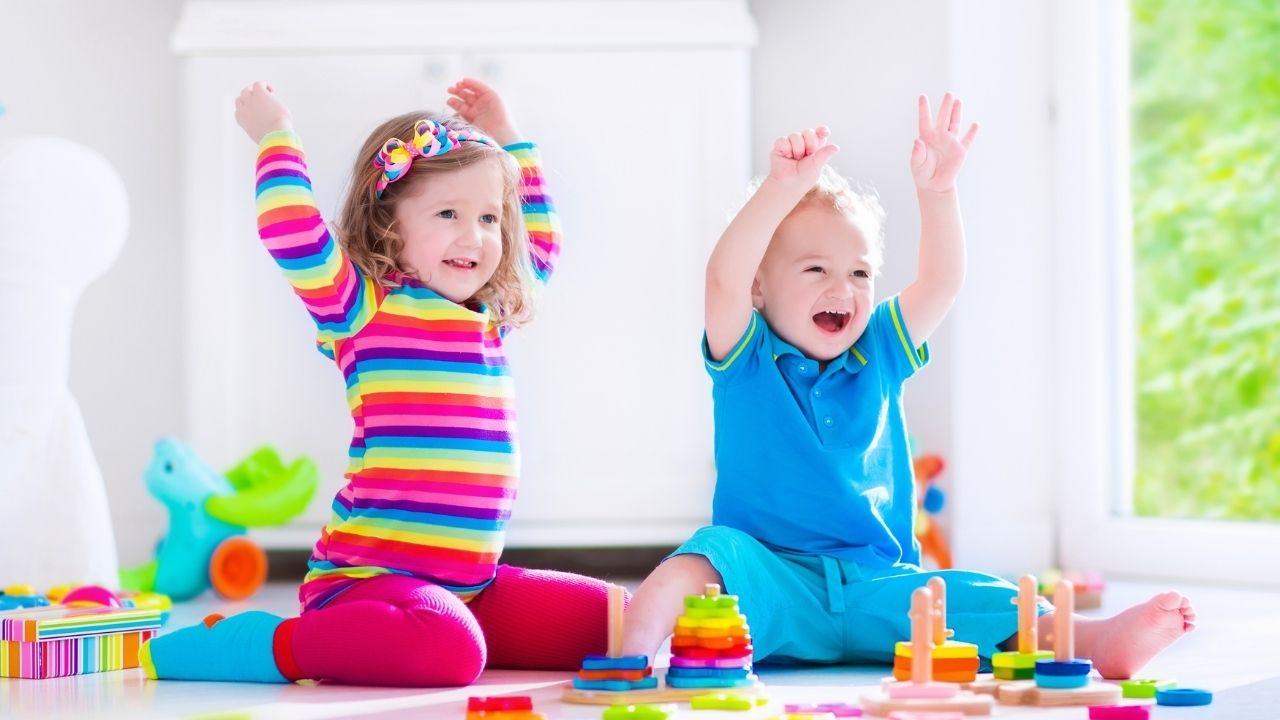 toddlers playing - the featured image for the list of activity boxes for 2 year olds | monthly subscription boxes for toddlers