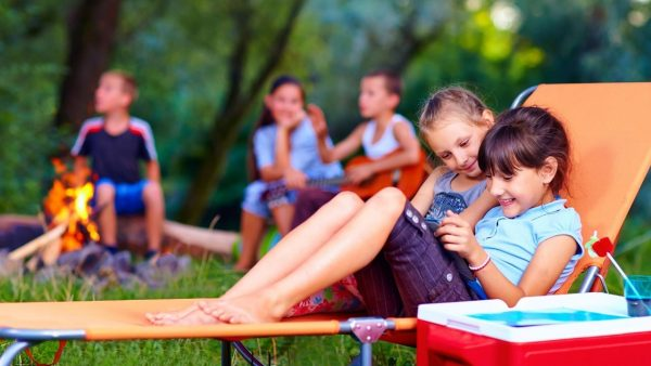 featured image for the article on summer camp ideas at home
